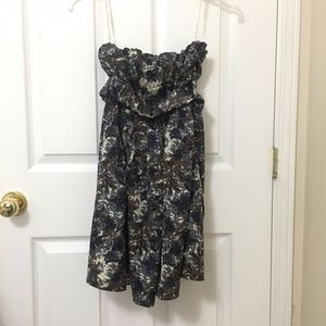 ⭐️2/$20 Forever 21 Floral/Camo Strapless Dress